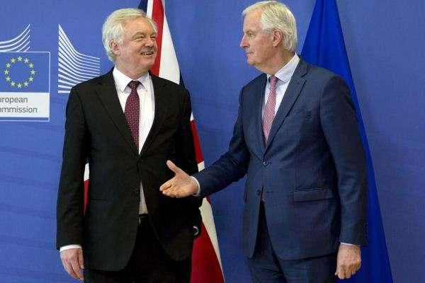 """过渡协议达成 英国获脱欧""""定心丸"""" 21个月变身""""全球英国""""?"""